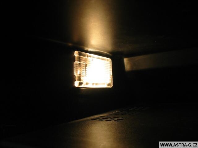 Světlo v přihrádce