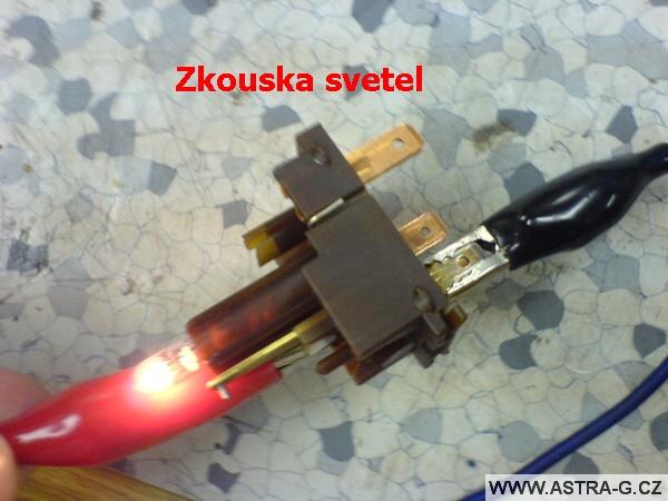 Přepínač výstražných světel 08