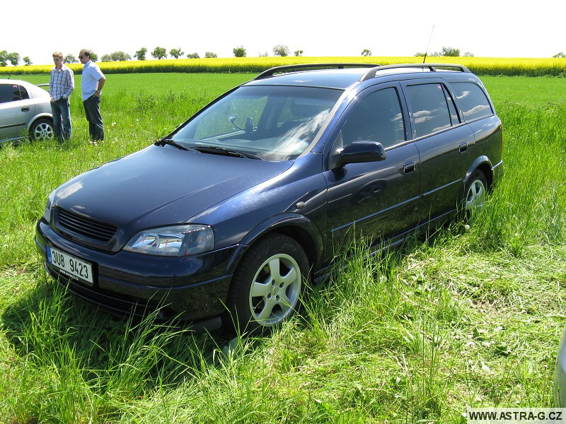 XIII.Opel Astra sraz - letiště Střemy u Mělníka 10.5.2008