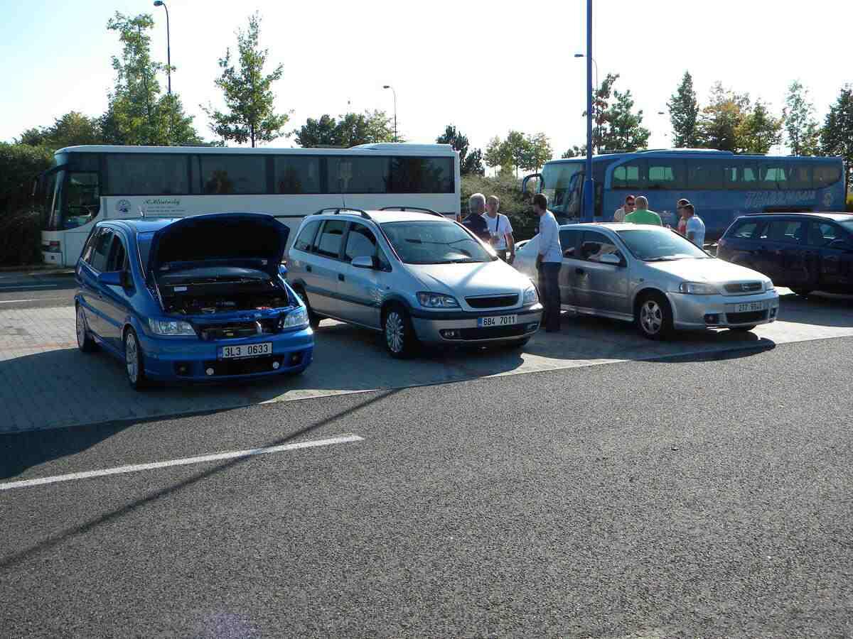 VII. Opel Astra-G / Zafira sraz Praha 24.9.2011