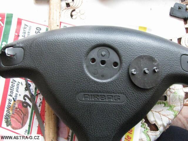 Výměna airbagu ve volantu – návod