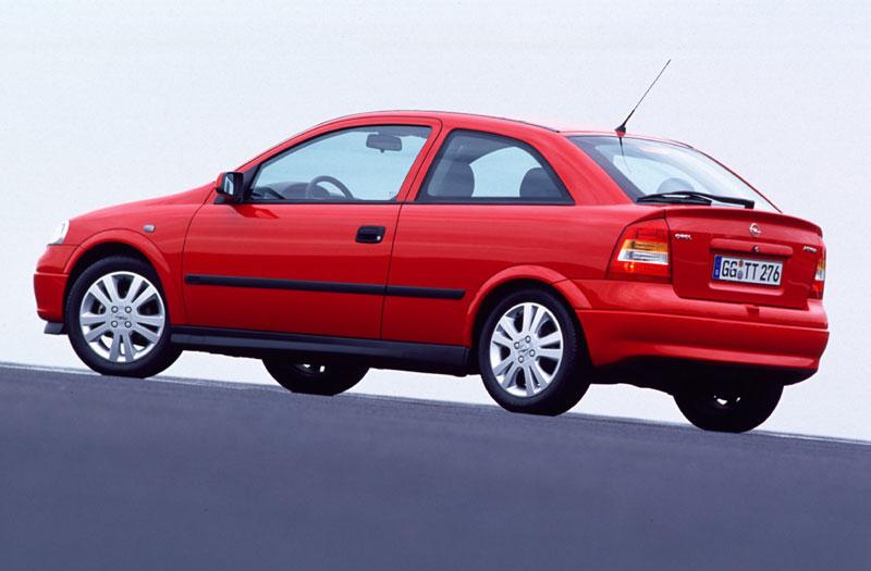 Kupujeme ojetý Opel Astra II.generace