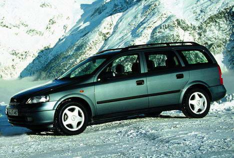Opel Astra 1.4 16V Club vs. Nissan Almera 1.5 Comfort